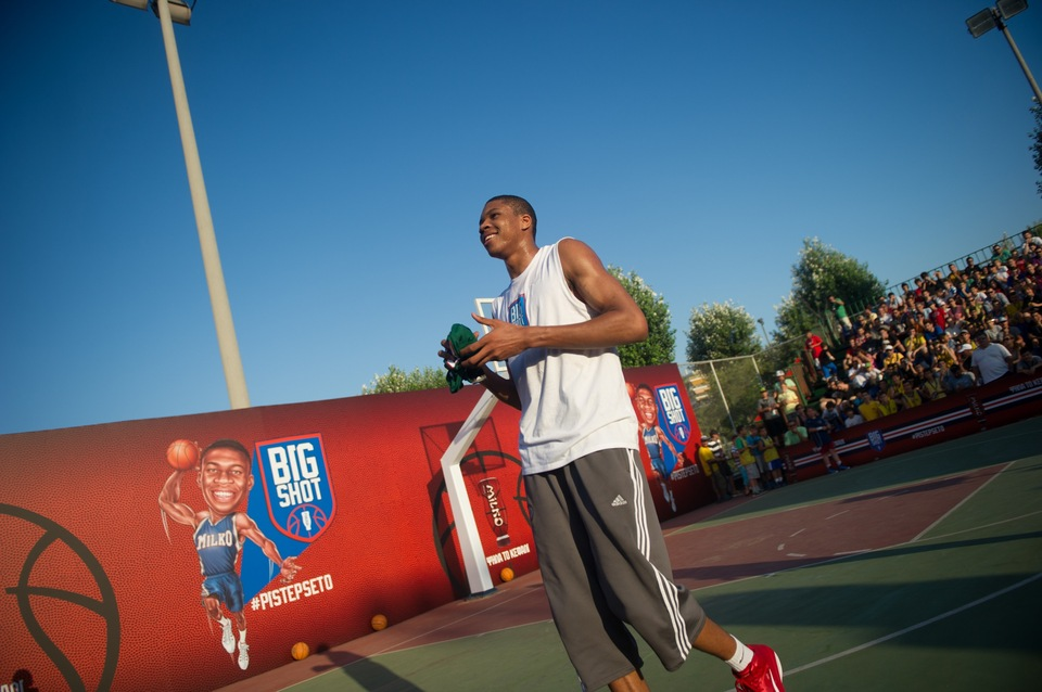 Milko Big Shot with Giannis Antetokounmpo